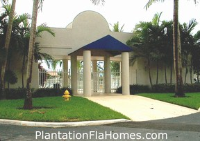 Arbor Courts - Plantation FL - pool area