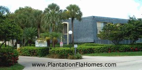 Chateaulaine townhouses in Plantation Florida